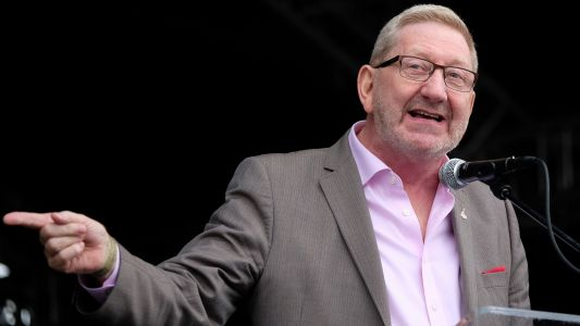 Len McCluskey threatens to cut Unite funding to Labour over anti-Semitism payouts