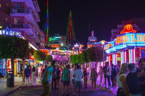 Majorca and Ibiza ban pub crawls and happy hours in booze tourism crackdown