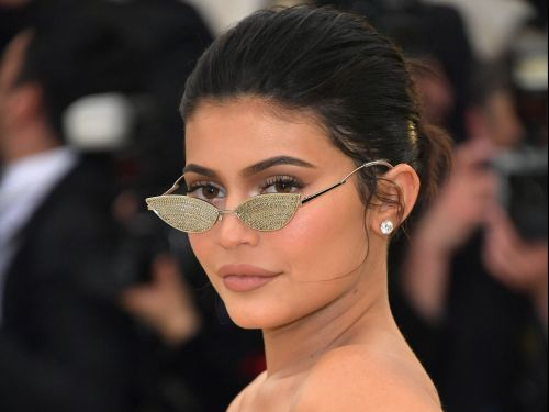 Kylie Jenner just agreed to sell a controlling stake in her makeup company for $600 million. Here's how she and 4 other billionaire celebrities became so much richer than their Hollywood peers