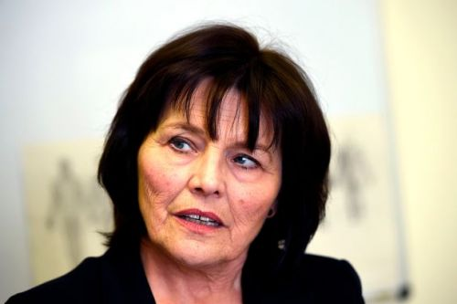 Jeane Freeman admits concerns at NHS proposals to downgrade cancer services at Ayr Hospital