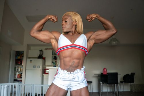 Professional woman bodybuilder says '95% of men cannot lift as much as me'