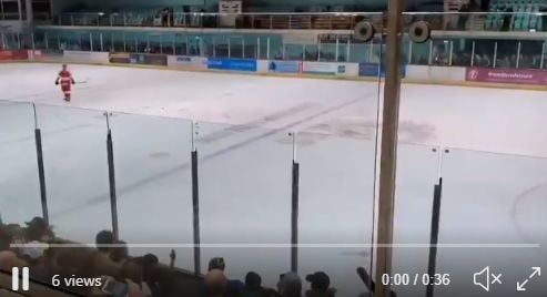 : Petr Cech saves sudden death penalty on ice hockey debut