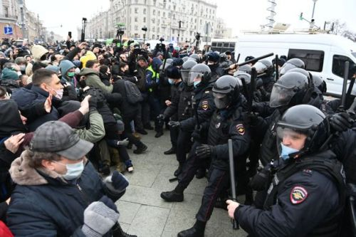 Alexei Navalny: More Than 1,000 Protesters Detained In Russia As Temperatures Drop Below -50C