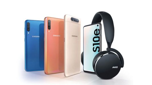 Get free wireless headphones with Samsung phone deals - both SIM-free and contract