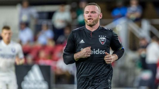 Rooney clashes with ref, blasts MLS travel plans
