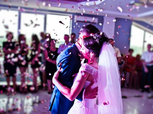 3 reasons to combine your finances when you get married - and 3 reasons not to