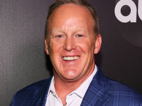 Sean Spicer says he hopes 'Dancing With the Stars' will be a 'politics-free zone' amid backlash following his casting