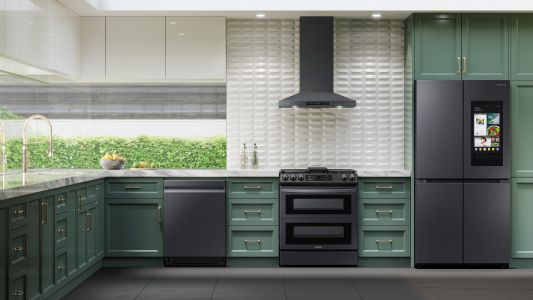 Preheat your oven without leaving your sofa with Samsung's Connected Appliances: part of the Lowe's List for Innovation