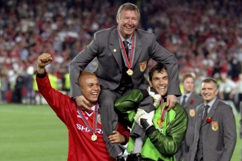 Wes Brown chooses between Man Utd's 1999 and 2008 Champions League-winning sides