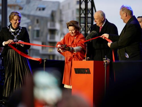 King and Queen of Norway open art museum dedicated to world-renowned artist