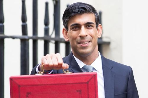 Minimum wage will rise from £8.91 to £9.50 in April 2022, Budget to announce