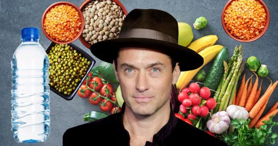Jude Law likes to 'starve himself' so he can enjoy feasting on 'excessive banquets'
