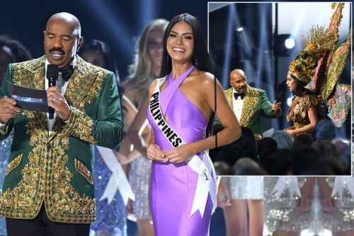 Awkward moment Miss Universe host names wrong winner 4 years after last blunder
