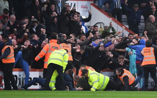 Newcastle United supporters set up fund for fans arrested for spilling on to pitch celebrating Matt Ritchie equaliser
