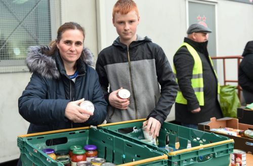 Aberdeen football supporters donate to food bank drive