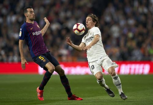 Fitness update surfaces on key Barcelona defender ahead of Real Madrid showdown