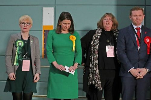 Jo Swinson quits as Lib Dem leader with immediate effect after losing seat