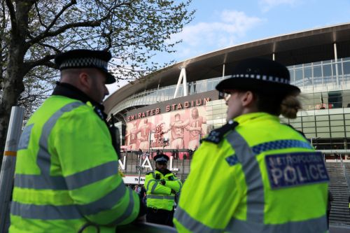 Arsenal fans to be guarded by 800 cops amid hooligan fears at notorious Napoli in Europa League