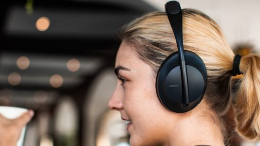 Pump up the jam and save AU$146 on a pair of Bose Noise Cancelling Headphones 700