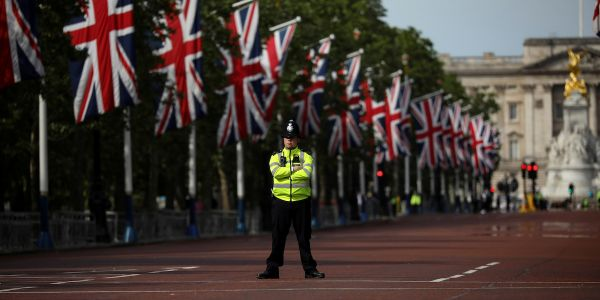Police in the UK will be allowed to use force against people who refuse to obey the coronavirus lockdown