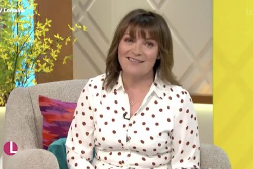 Lorraine Kelly forced to make 'huge apology' to viewers after fans raised typo
