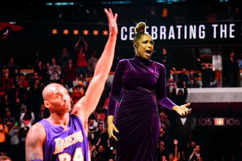 Jennifer Hudson performs emotional tribute to Kobe Bryant NBA all-star game