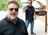 Russell Crowe reveals he bought a DINOSAUR SKULL from Leo DiCaprio