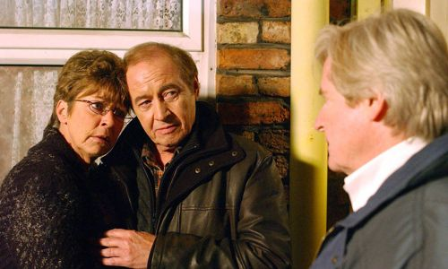 Coronation Street actor Neville Buswell dies at the age of 77