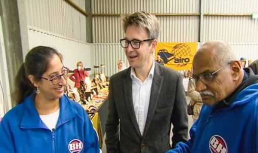 Bargain Hunt expert secures show's most 'extraordinary profit' with chicken tea cosy