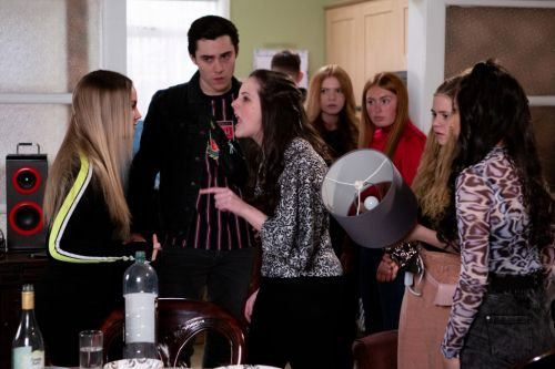 Coronation Street spoilers: Teen party disaster after a violent gatecrash