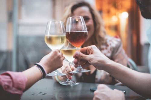 'Absurd' WHO recommendation for women not to drink is heavily criticised