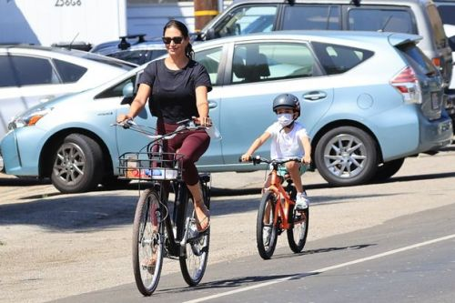 Lauren Silverman pictured on bike ride hours before Simon Cowell's hospital dash