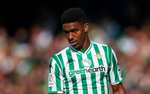 Manchester United ready £26m bid to sign Real Betis defender Junior Firpo ahead of Real Madrid