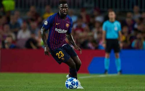 Chelsea make centre back enquiry, Barcelona 'open to selling'