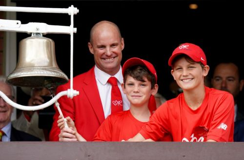 English cricket to turn red once again to remember Ruth Strauss