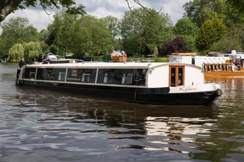 English canal cruise aboard boutique 5* Kailani is all-inclusive bliss