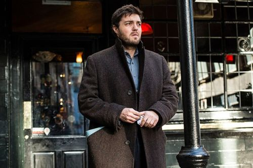 How Strike filmed Tom Burke's missing leg scenes