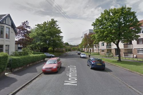 Man dies after being found with serious injuries in Glasgow street