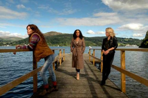 When is Deep Water on TV? Who's in the cast, and how has it been adapted?