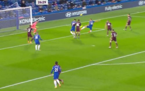 : Olivier Giroud pokes home to draw Chelsea level