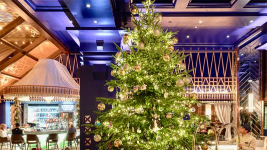 Kempinski hotel unveils £12m diamond-covered Christmas tree