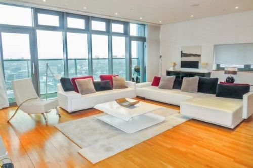 Inside luxury penthouse flat that costs unbelievable £8,000 a month to rent
