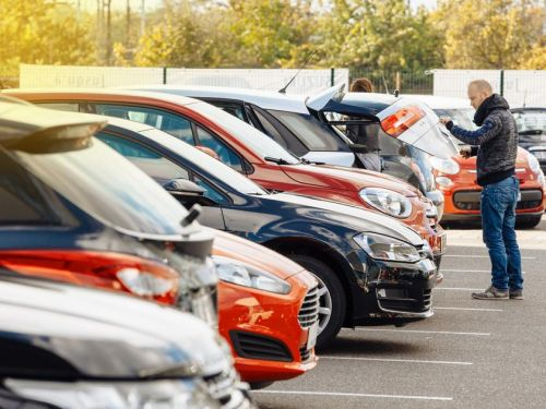 How to buy a used car: options for purchasing a second-hand car at a dealership or online