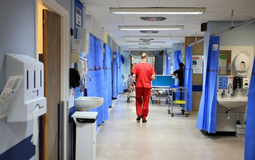 NHS hospitals offer doctors cash in bid to tackle growing pensions crisis
