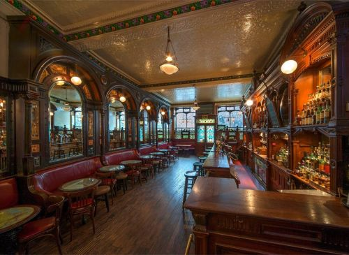 The best traditional pubs to check out in Edinburgh during the Festival