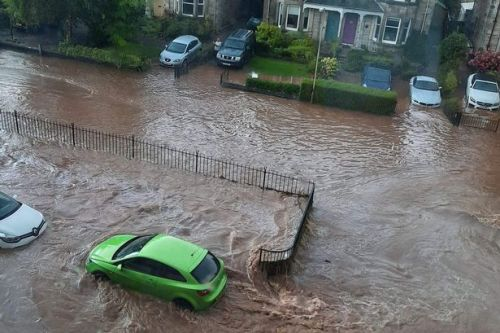 Travel and flooding chaos in Perth as storm results in school closure