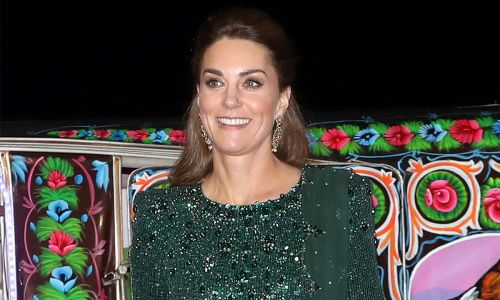 Kate Middleton's GLITTERING fashion moment of the royal tour in green Jenny Packham gown