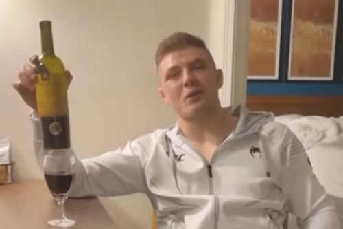 Marvin Vettori trolls Paulo Costa with bottle of wine after brutal UFC win