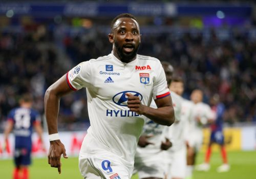 Man Utd make 'opening £35m bid' for Lyon striker Moussa Dembele