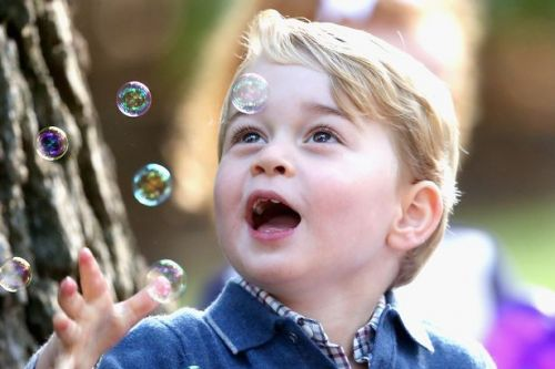 Stunning new £5 coin launched to mark Prince George's fifth birthday - and here's how you can get hold of one